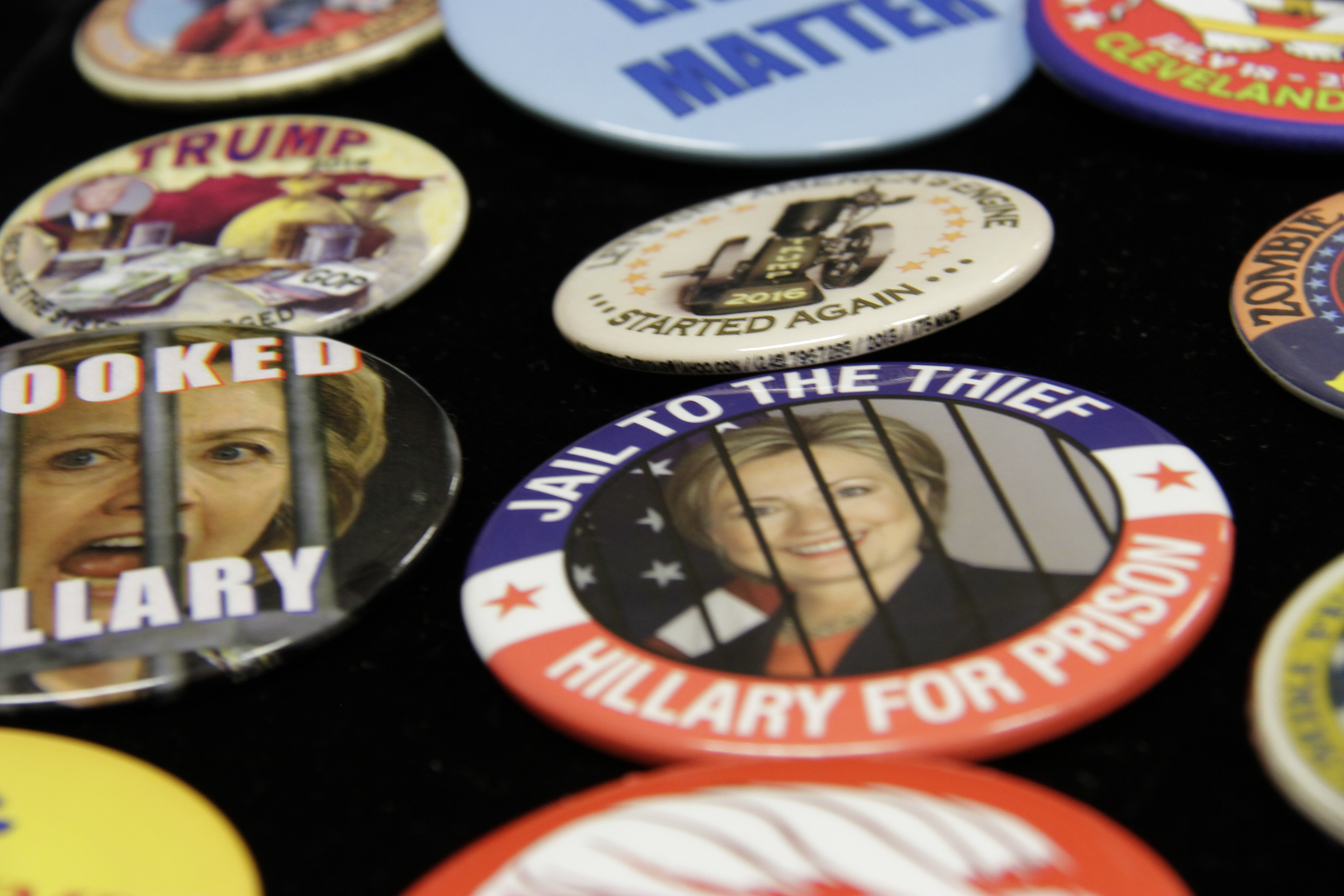 crooked-hillary-buttons